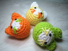 If I had a cat I would totally add catnip or a bell to these and make little cat toys. Adorable!