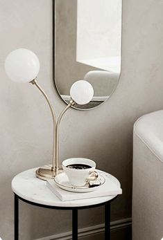 hm home 4 Scandinavian Style, Scandinavian Interior, Store Venitien, G9 Led Bulb, Decoration Chic, Hm Home, Quilt Set, Deco Nature, Deco Addict