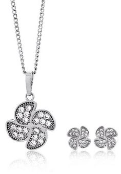 Elegant Pendant Set With Cz In Pave Setting Price: Rs 650