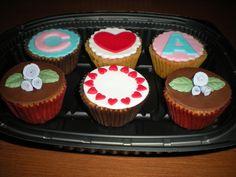 Cupcakes románticas! De vainilla con trocitos de chocolate!