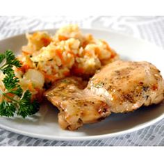 Quick & Easy Baked Honey Mustard Chicken  ---- Ingredients:  6 skinless, boneless chicken breast halves,   salt and pepper to taste,      1/2 cup honey,      1/2 cup prepared mustard,      1 teaspoon dried basil,      1 teaspoon paprika,      1/2 teaspoon dried parsley