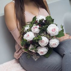 Having the snow and bitter cold here in London we can't wait 🤗to start designing our new spring/summer collection🌻Mint, raspberry, candy roses - what a delicious combination! #springsummercollection #springflowers #summerflowers #mint #raspberry #summerrose #pinkroses #rose #bouquet #flowerbouquet #londonflowers #styling #interiordesignerslife #shopping #shoppingonline #londonshopping #bestoflondon #shoppingspree #fashionflowers #fashion #londonfashion #lifestyle #londonlifestyle