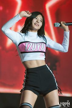 HD kpop pictures and gifs. Girl Abs, Girl Body, Stage Outfits, Kpop Outfits, Tzuyu Body, Kpop Fashion, Fashion Outfits, Skinny Inspiration, Mode Kpop