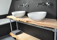 Landelijke badkamer, industriële badkamer, inbouwkranen, waskommen
