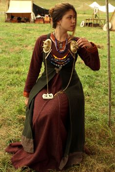 | Nordic | - maenadscraft:   Viking princess