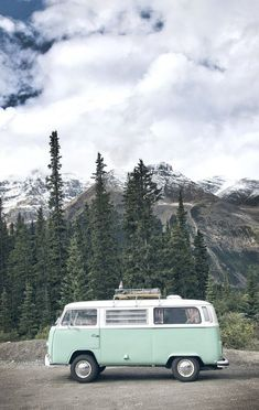 Want this van VW Bus within the mountains of Alberta, Canada. Shot by Crux Artistic. Want this van VW Bus within the mountains of Alberta, Canada. Shot by Crux Artistic. Want this van VW Bus within the mountains of Alberta, Canada. Shot by Crux Artistic. Bus Vw, Vw T1, Vw Camper, Volkswagen Beetles, Volkswagen Golf, Camper Life, Van Life, Wolkswagen Van, Kombi Home