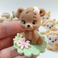 1 million+ Stunning Free Images to Use Anywhere Fondant Cake Toppers, Fondant Cupcakes, Fondant Figures, Cupcake Toppers, Polymer Clay Kawaii, Polymer Clay Crafts, Crea Fimo, Teddy Bear Cakes, Animal Cupcakes