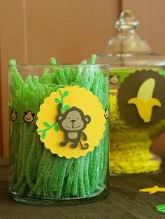 We love these monkey green vines as well as the runt banana jar behind it. Sugar, sugar, sugar...