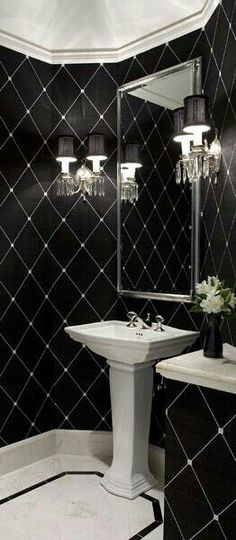 Come get inspired with these amazing luxurious black designs at http://www.maisonvalentina.net/