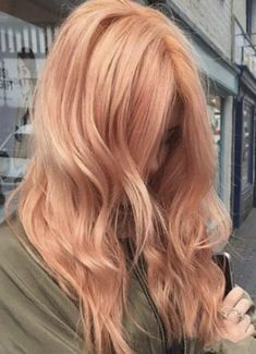 """Trend Watch: Blorange Hair Color Have you heard of the newest hair trend, """"blorange hair"""" ? You'd be surprised to see how many people are rocking this once unwanted tone… Haircuts For Wavy Hair, Haircut For Thick Hair, Blorange Hair, Red Hair, Brown Hair, Strawberry Blonde Hair Color, Blonde Hair Blue Tips, Brunette Hair, Peach Hair Colors"""
