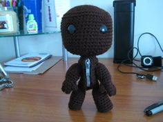 Sackboy free crochet pattern with video tutorial by The Golden Jelly Bean