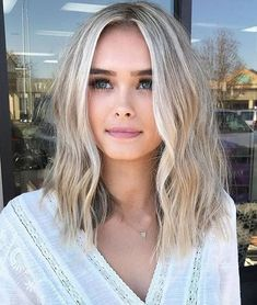 Short blonde hairstyles 2019 – new model hair trends hair hair … Curly Hair Styles, Medium Hair Styles, Natural Hair Styles, Pixie Styles, Blond Hairstyles, Frontal Hairstyles, Straight Hairstyles, Latest Hairstyles, Beautiful Hairstyles