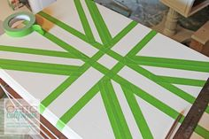 Simple Tutorial on how to make a union jack design using frog tape Fun Crafts, Diy And Crafts, Arts And Crafts, Union Jack Bedroom, Union Jack Decor, Craft Projects, Projects To Try, My New Room, Diy Art