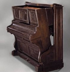 This is a convertible bed in the shape of a piano and takes you to the era of early twentieth century. The bed is perfectly suitable for lar...