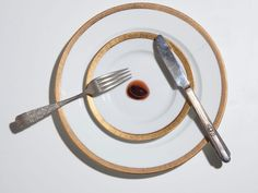 Photographer Henry Hargreaves carefully recreates the last meals   requested by Death Row inmates prior to their execution. His project   encompasses the final feasts of John Wayne Gacy and Ted Bundy