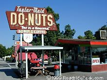 Taylor Made Do*Nuts in Pomona, California. Shop sweets in Pomona. Stay Pomona Proud. Pomona California, Ontario California, Vintage California, Southern California, Road Trip With Kids, Family Road Trips, Drive Thru Movie, Romantic Road, San Dimas