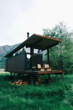 Container House Olson Kundig, Architect, Methow Valley Rolling Huts - Where the outdoors meets architecture - bon traveler Who Else Wants Simple Step-By-Step Plans To Design And Build A Container Home From Scratch? Tiny House Cabin, Tiny House Living, Tiny House Design, House 2, Small Living, Tiny Cabins, Living Room, Shack House, Sauna House