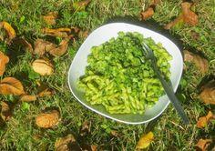 Pesto aus Kohlrabigrün und Walnüssen