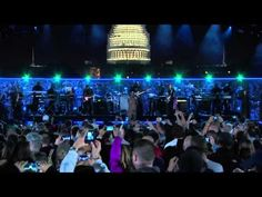 Eminem & Rihanna - Live at The Concert for Valor 2014 (Full Performance HD) - YouTube