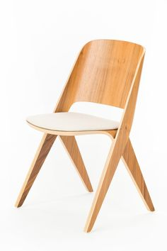 Lavitta_chair_walnut