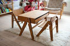 great table and chairs Kids Furniture, Furniture Design, Just Kids, Kid Spaces, Wood Veneer, Nursery Room, Table And Chairs, Kids Playing, Kids Room