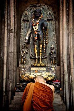 Monk - Bodhgaya♥♥♥