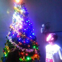Begitu indahnya pohon natal #merrychristmas #pohon #natal #terang #nggumun by andika_andreas