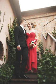 red dress | Red Valentine's Day Wedding Inspiration http://theproposalwedding.blogspot.it/ #wedding #valentinesday #heart #red #matrimonio #sanvalentino #cuore #rosso