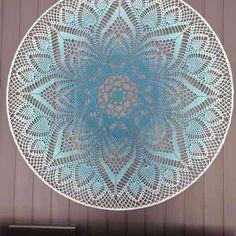 Crochet Tablecloth Pattern, Diy Crochet Patterns, Crochet Mandala Pattern, Crochet Wall Art, Crochet Home, Crochet Mandela, Dream Catcher Mandala, Cat Coloring Page, Pineapple Crochet
