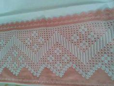 Risultati immagini per ganchillo esquina Handicraft, Bedding Sets, Diy And Crafts, Embroidery, Ornaments, Pink, Hat Patterns, Arya, Crochet Shorts