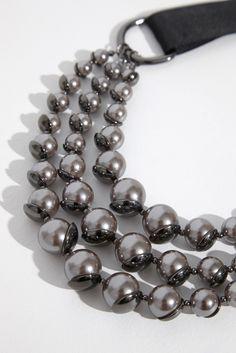 ADOLFO DOMÍNGUEZ   Collar con cascada de perlas