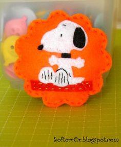 Felt Snoopy Happy