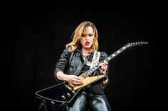 Lzzy Hale Covers Whitney Houston and Cinderella Lzzy Hale, Halestorm, Josh Smith, Women Of Rock, Glam Metal, Guitar Girl, Festival 2016, Whitney Houston, Hyde