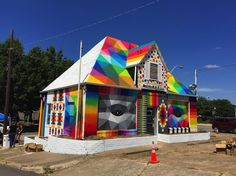 Universal Chapel par l'artiste espagnol Okuda - Journal du Design