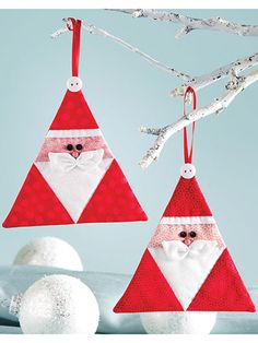 These Cute Santa Ornaments Go Together Quickly - Quilting Digest Quilted Christmas Ornaments, Fabric Ornaments, Santa Ornaments, Christmas Sewing, Christmas Fabric, Felt Christmas, Christmas Tree Decorations, Christmas Quilting, Christmas Patterns