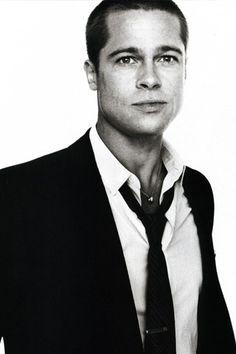 Brad Pitt is like Tom Buchanun because he is cocky, rich, and cheats on Angelina Jolie alot.
