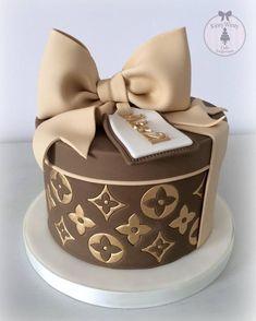 Elegant Birthday Cakes, Beautiful Birthday Cakes, Birthday Cakes For Women, Beautiful Cakes, Amazing Cakes, Designer Birthday Cakes, Chanel Birthday Cake, 23 Birthday, Designer Cakes