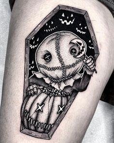 Thigh Tattoo Men, Tattoo Arm Frau, Flower Thigh Tattoos, Leg Tattoos, Body Art Tattoos, Back Thigh Tattoo, Thigh Sleeve Tattoo, Skull Thigh Tattoos, Quote Tattoos