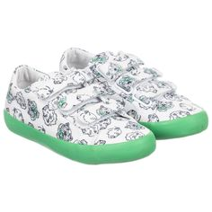 Kenzo Kids White & Green Tiger Trainers. Shop from an exclusive selection of designer Shoes at Childrensalon.co.