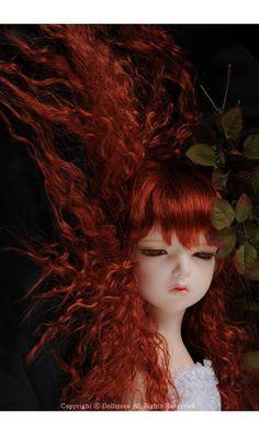 http://www.ebay.com/itm/DOLLMORE-BJD-NEW-Lusion-Doll-Dreaming-Dahlia-MAKE-UP-/162238816533?hash=item25c62fe115:g:4hYAAOSw8gVYAJWg