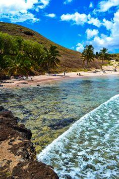 Esperando hayan tenido unas grandiosas fiestas patrias, los invitamos a descansar en las playas de Anakena, Isla de Pascua.