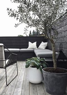Its so nice to finally use our terrace again stylizimohouseoutdoors uterom oliventre hosta terrasse Outdoor Lounge, Outdoor Seating, Outdoor Spaces, Outdoor Living, Outdoor Decor, Wall Exterior, Interior And Exterior, Pintura Exterior, Patio Doors
