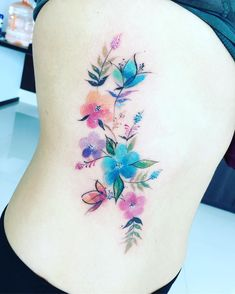 "Javi Wolf on Instagram: ""Pocas citas amigos !!! CANCUN TATTOO TRIP!! 22 al 26 de octubre ! Daré poquitas citas , ya pueden ir agendando mandando sus ideas , tamaño…"" Colorful Flower Tattoo, Beautiful Flower Tattoos, Flower Tattoo Designs, Flower Tattoos On Arm, Watercolor Flower Tattoos, Love Tattoos, Body Art Tattoos, New Tattoos, Tattoos For Women"