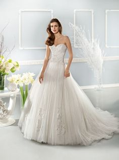 791.01$  Watch here - http://vigkv.justgood.pw/vig/item.php?t=awmuyg19361 - Cosmobella Wedding Dress by Demetrios - Style 7639 Brida Gown Was $1550