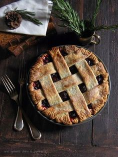 Cranberry Pie with Rosemary Buttermilk Crust | une gamine dans la cuisine