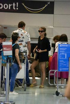 Michael and Alicia at the airport in Ibiza (17/10/2017)