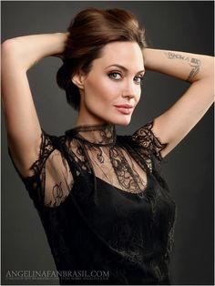 Fotógrafo Desconhecido - desconhecido2012-002 - Angelina Jolie Brasil // Gallery