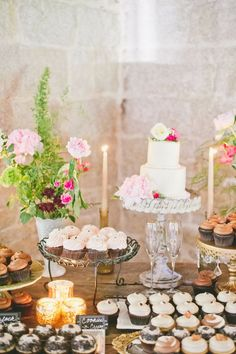 Lovely wedding dessert table with cupcakes and cake #wedding #desserttable #weddingdessert #cupcakes #weddingcake