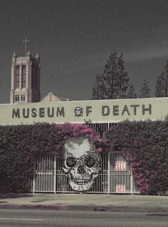 The World Famous Museum of Death was founded in June, originally located in San Diego, then reopened in Hollywood, California.The Museum of Death Memento Mori, Museum Of Death, The Black Dahlia Murder, San Diego, Cities, Parcs, In Hollywood, Hollywood California, Oh The Places You'll Go