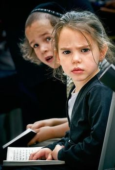 Absolutely love this picture,something about this little Jewish girl!